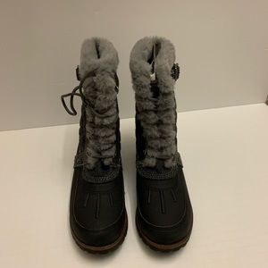 Girls size 4 Winter Boots